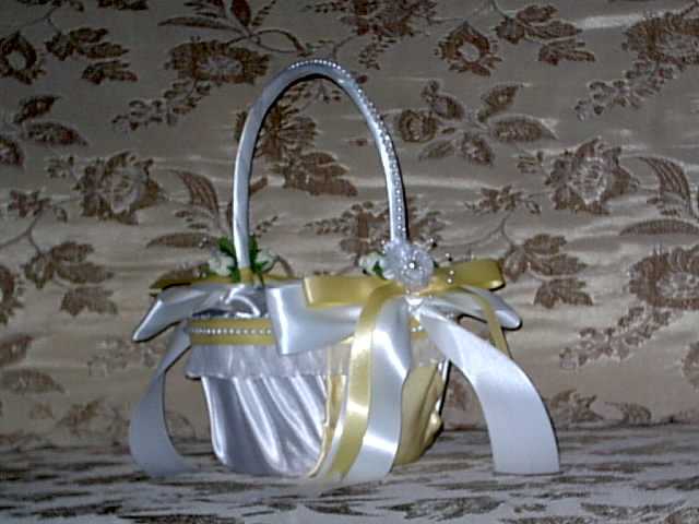 Item 201 Flower Girl Basket satin