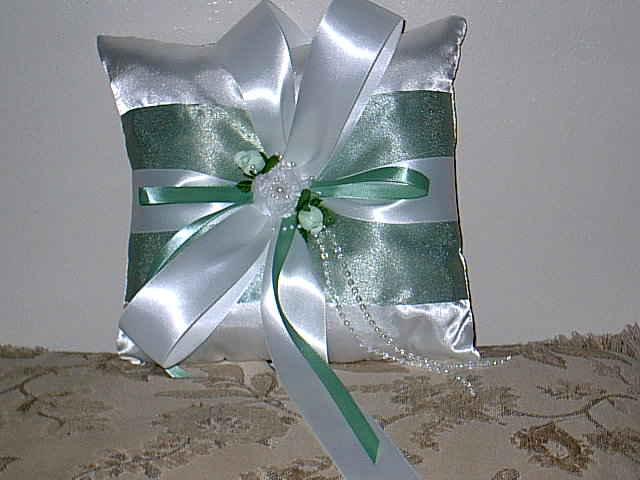 Item 154 Ring Pillow Satin
