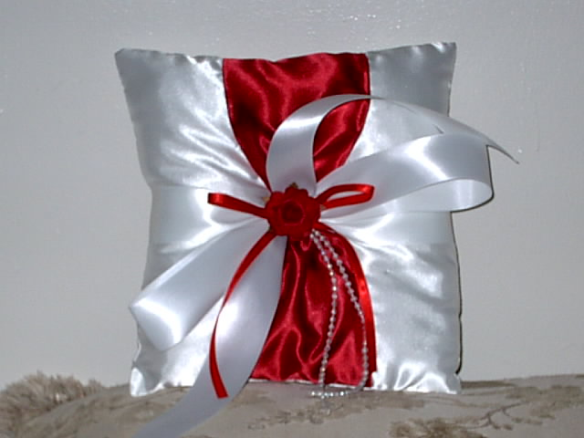 Item 155 Ring Pillow Satin