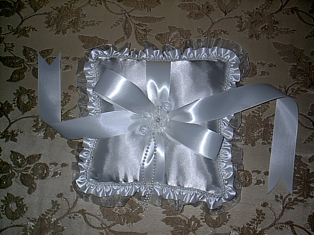 Item 150 Ring Pillow Satin